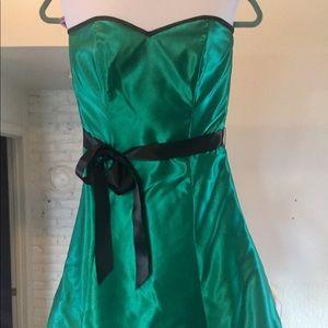 Emerald green cocktail dress, size 5